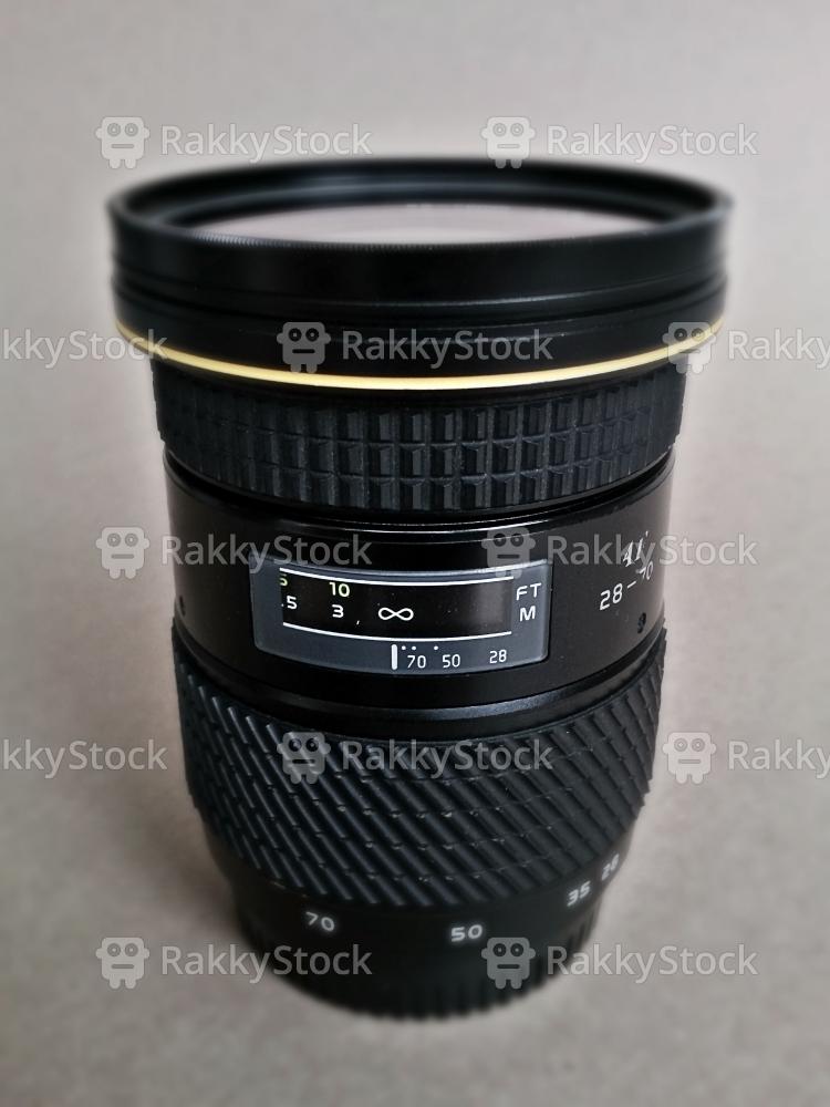 28-70 mm SLR Camera Lens